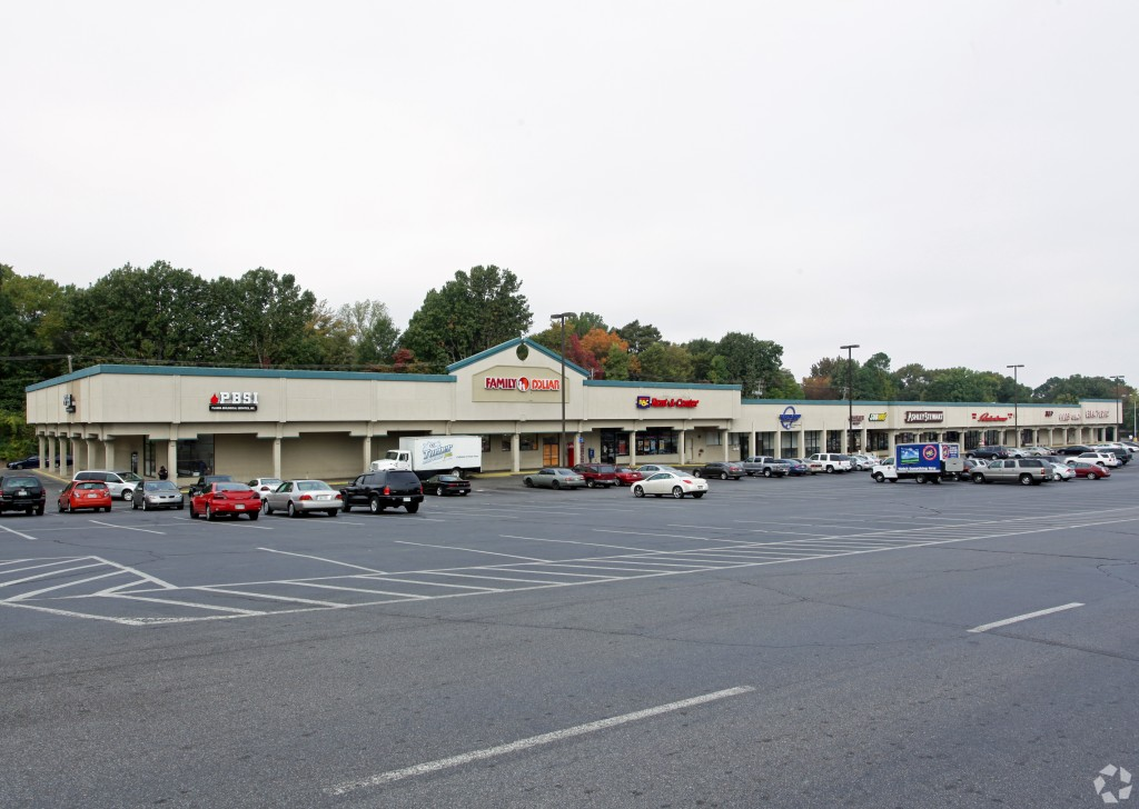 2562 Frayser – Lease Space in a Kroger-Anchored Center