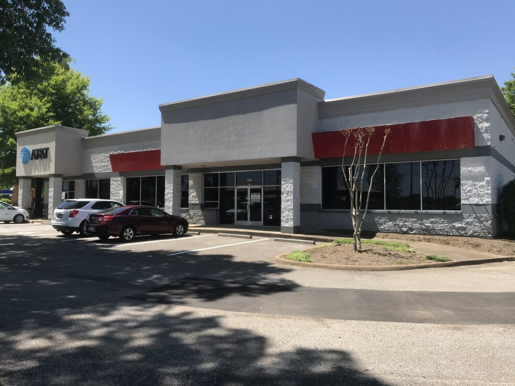 8457 US HWY 51 – Outstanding Stop-Light Corner Retail Space in Millington